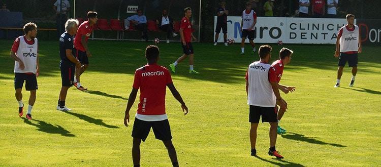 Il Bologna in allenamento a Castelrotto