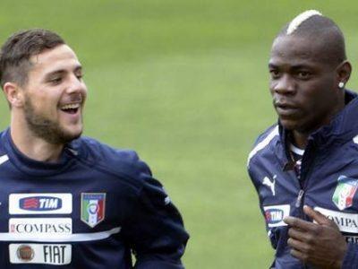 Mattia Destro e Mario Balotelli in allenamento con la Nazionale