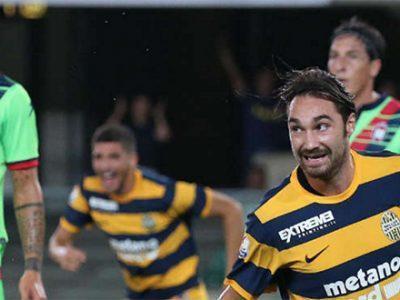 Marco Fossati esulta dopo il gol al Crotone