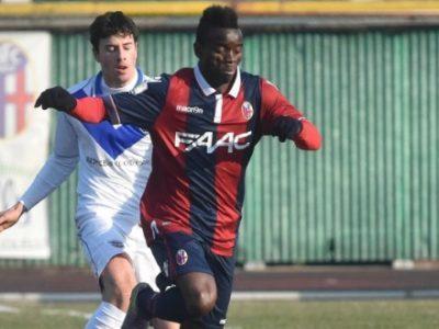 Moussa Souare in azione con la maglia del Bologna
