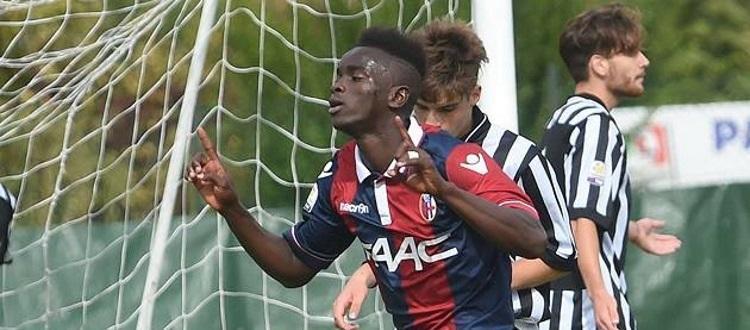 L'esultanza di Moussa Souare con la maglia del Bologna