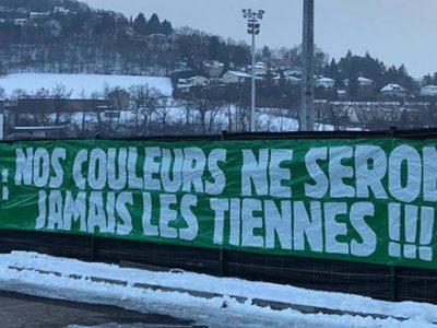Mounier, pessima accoglienza da parte dei tifosi del Saint-Étienne