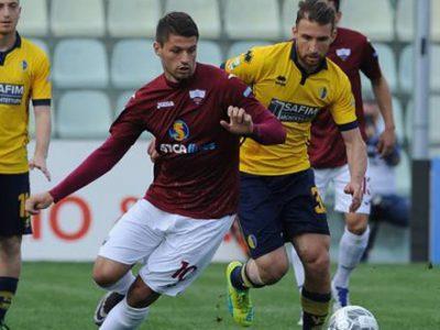 Giorni decisivi per l'attaccante, Petkovic in vantaggio su Budimir