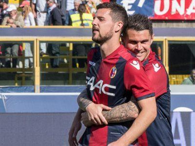 Destro trascina alla vittoria un ottimo Bologna, Udinese asfaltata 4-0