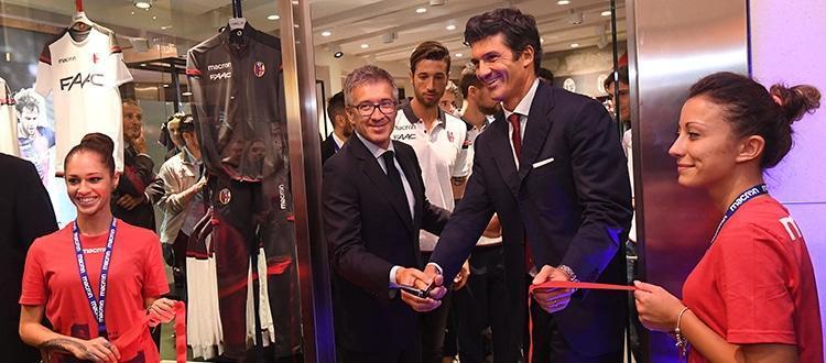 Bologna e Macron inaugurano uno store a tinte rossoblù