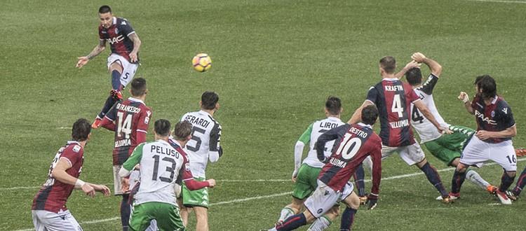 Poli e Pulgar rialzano un Bologna senza capo né coda, il Sassuolo si arrende 2-1
