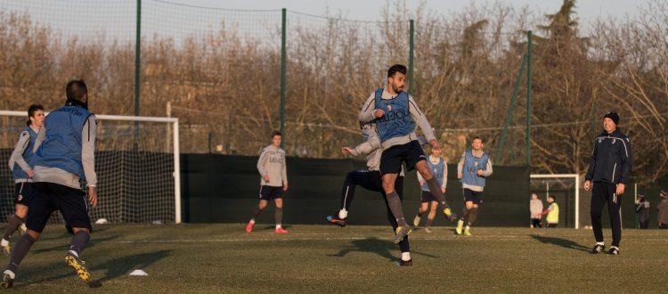 Bologna già al lavoro per il match di Roma, ai box Lyanco, Orsolini e Paz