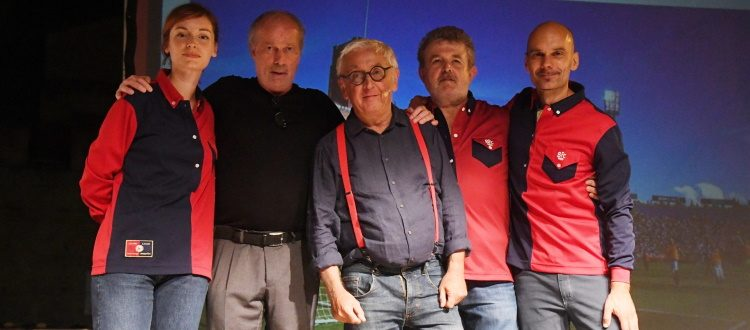 Emozioni rossoblù in piazza Verdi, grande successo per lo spettacolo 'Caro Bologna ti scrivo'