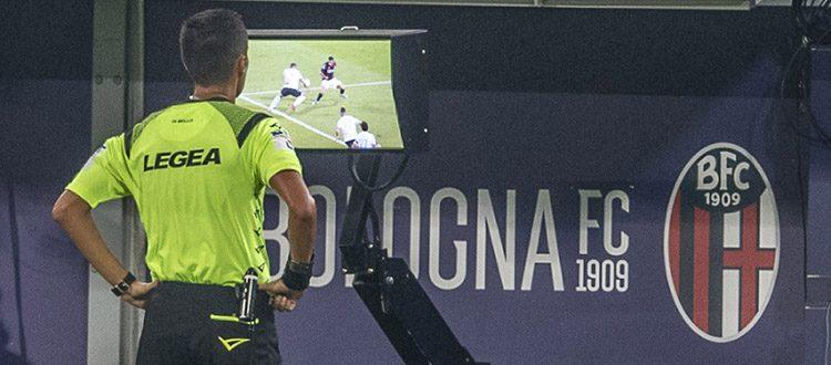 IFAB, altre piccole modifiche alle regole del calcio. Chiesto agli arbitri un maggiore ricorso alla on field review