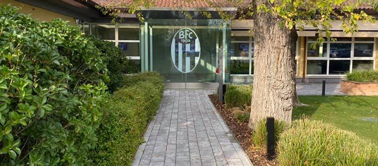 Ufficiale: calciatori, tecnici e dirigenti del Bologna rinunciano ad un mese di stipendio