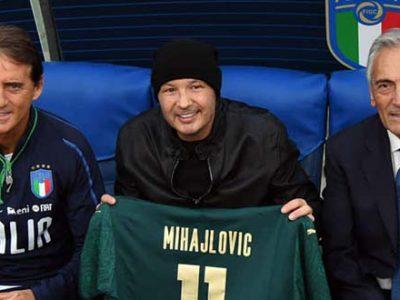 Mihajlovic fa visita a Mancini, il tecnico del Bologna all'Olimpico per la rifinitura della Nazionale
