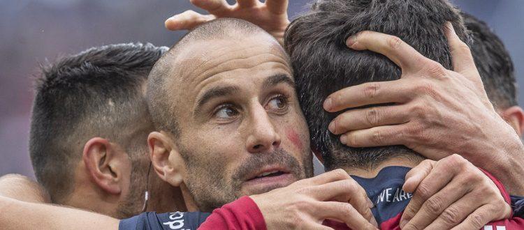 Dzemaili e Palacio emergono in un Bologna in difficoltà. Male anche l'arbitro Abisso