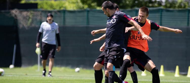 Seduta tecnico-tattica e partitella per il Bologna, domani nuovo allenamento al Dall'Ara