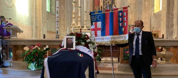 Celebrato il funerale di William Negri, presente una delegazione del Bologna