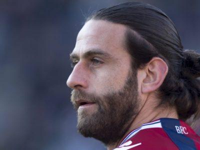 Solo 3 vittorie rossoblù nei 16 precedenti a Parma in Serie A, l'ultima nel 2013 con Moscardelli bomber e portiere