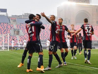 Il Bologna soffre, segna, vince e dopo 431 giorni non prende gol: Crotone piegato 1-0 col solito Soriano