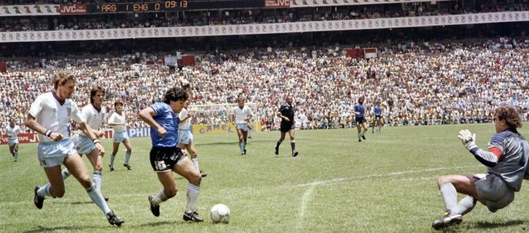 Maradona, l'uomo delle sfide che ha portato il calcio ad un altro livello