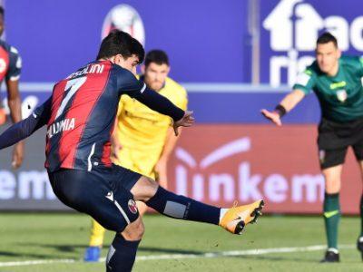 Orsolini non fallisce dal dischetto, il Bologna piega 1-0 il Verona e torna con merito alla vittoria