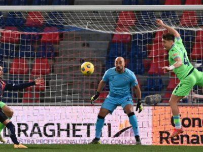 Il miglior Bologna della stagione schianta 2-0 la Lazio, super vittoria firmata Mbaye e Sansone