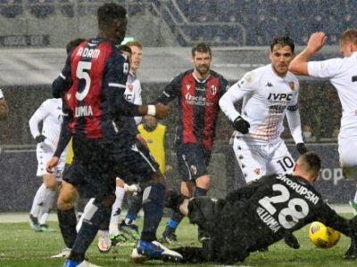 Bologna, un punticino sotto la neve: Viola risponde a Sansone, col Benevento è solo 1-1