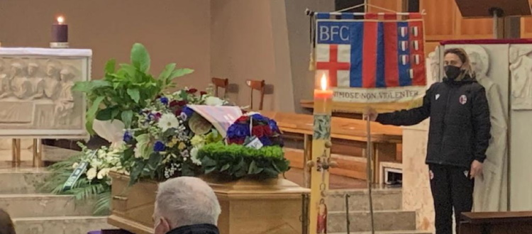 Celebrato a Bologna il funerale di Mirko Pavinato, presenti una delegazione del BFC e gli ex rossoblù Rado, Cimpiel e Colomba