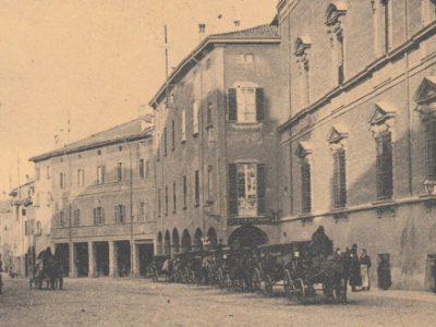 L'ombelico di Bologna: piazza Aldrovandi, il centro del mercato cittadino