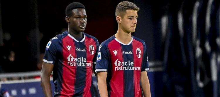 Esordio in Serie A e in maglia rossoblù per Amey e Urbanski, il difensore è il più giovane debuttante nella storia del massimo campionato