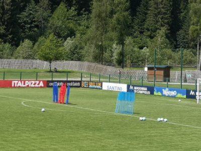 Prove di 4-1-4-1 e 4-3-3 per il Bologna, Orsolini a scuola di punizioni dal prof. Mihajlovic
