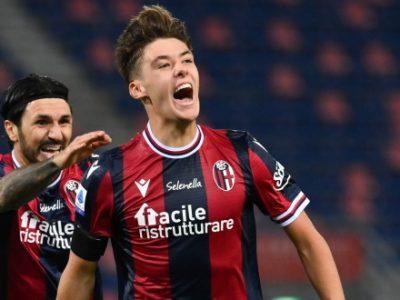 Primo gol in Serie A e in maglia rossoblù per Hickey, 486° marcatore nella storia del Bologna