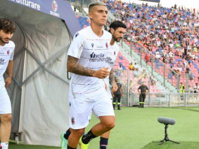 Seduta tattica verso Bologna-Verona, in serata il rientro di Dominguez e Medel. Per il match di lunedì superata quota 10.000 biglietti